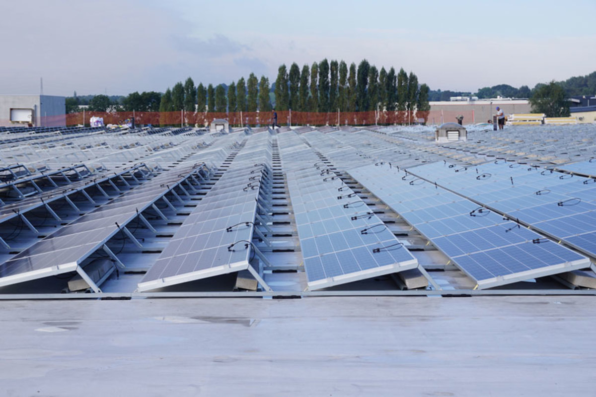 Mercury installed a new solar-panel roof at its corporate headquarters in Belgium.