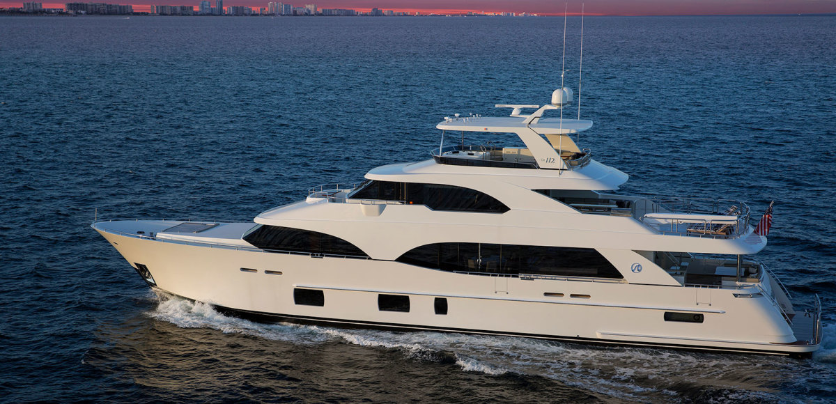 The Ocean Alexander 112 was the flagship of the manufacturer's FLIBS display.