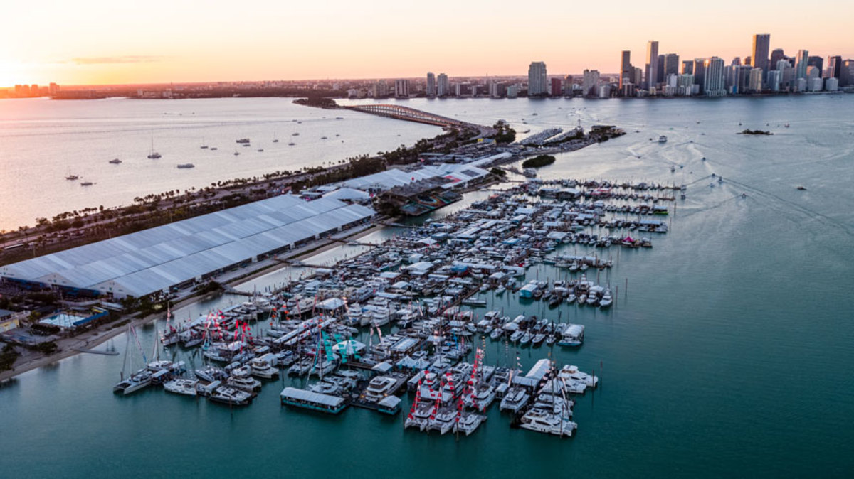 The 2018 Miami International Boat Show had improved air conditioning and dock systems and was well attended. Photo courtesy of Miami International Boat Show.