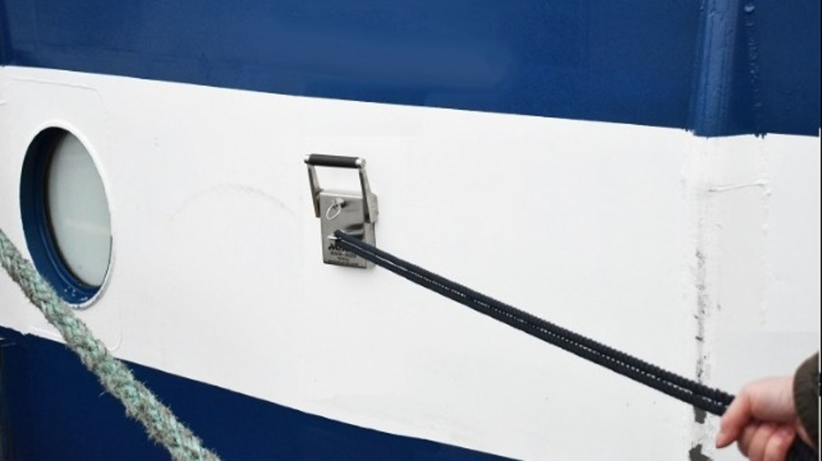 The Miko MAM-003S magnets can be placed anywhere on the ship's hull to create additional mooring points.