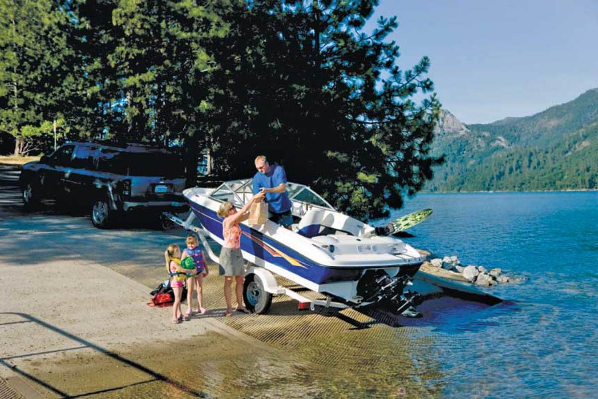 The brand eventually became known as the value line for families. Bayliner reached its peak in 1988, with 60,000 units sold at retail.