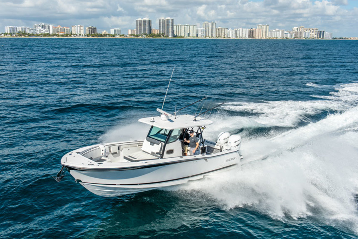 The Blackfin 332CC took earned an innovation award at the Miami boat show.