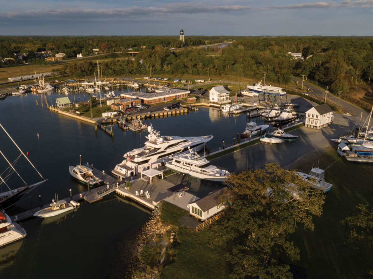 CCYC_marina.jpg: The marina has many of the attributes of Front Street Shipyard including deep water to accommodate larger yachts.
