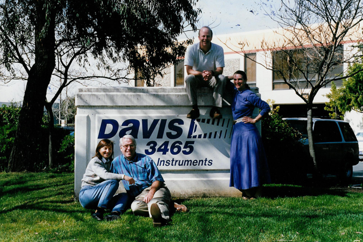 The company's founders in front of their Hayward, Calif., headquarters in 1999.
