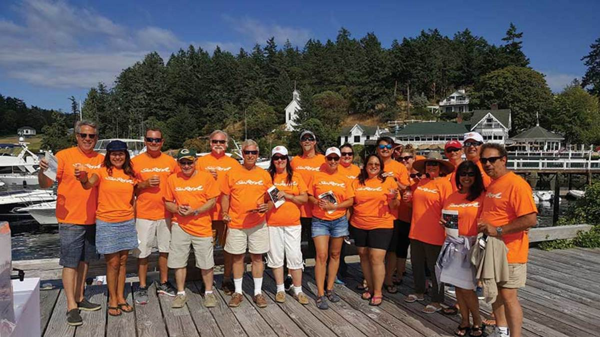 Lake Union Sea Ray keeps customers happy with its Advantage card, training programs and five mobile-service trucks.