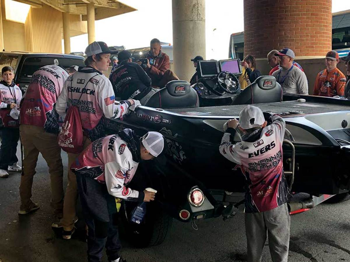 An explosion in participation: Membership in high school bass-fishing clubs has grown from 800 to 10,000 in the last six years.