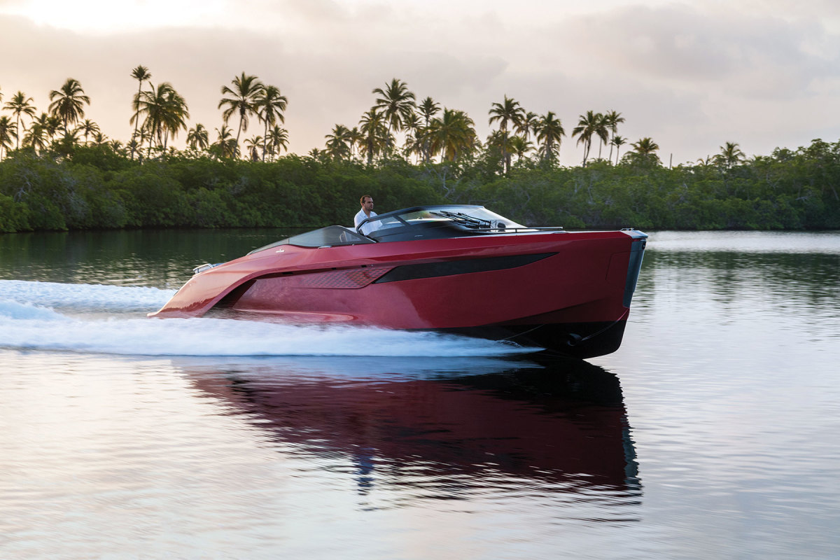 The Princess R35's foils don't lift the boat's hull completely out of the water.