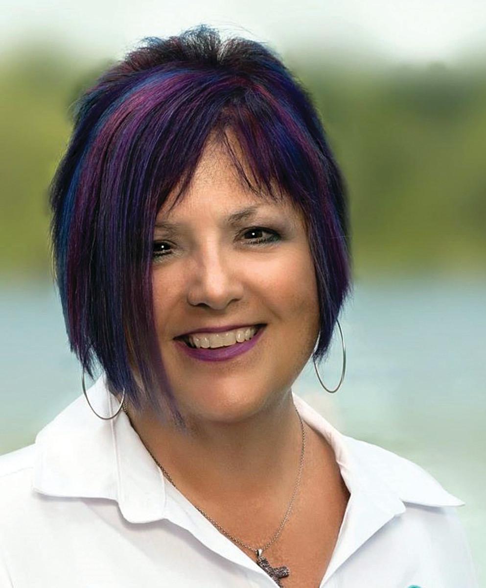Wanda Kenton Smith headshot June 2020 (2)