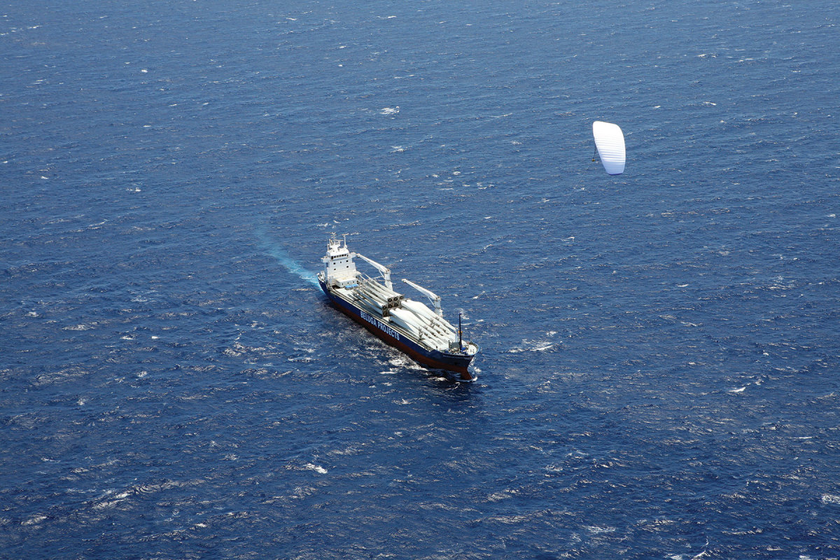Kite sails deploy and manage themselves automatically.
