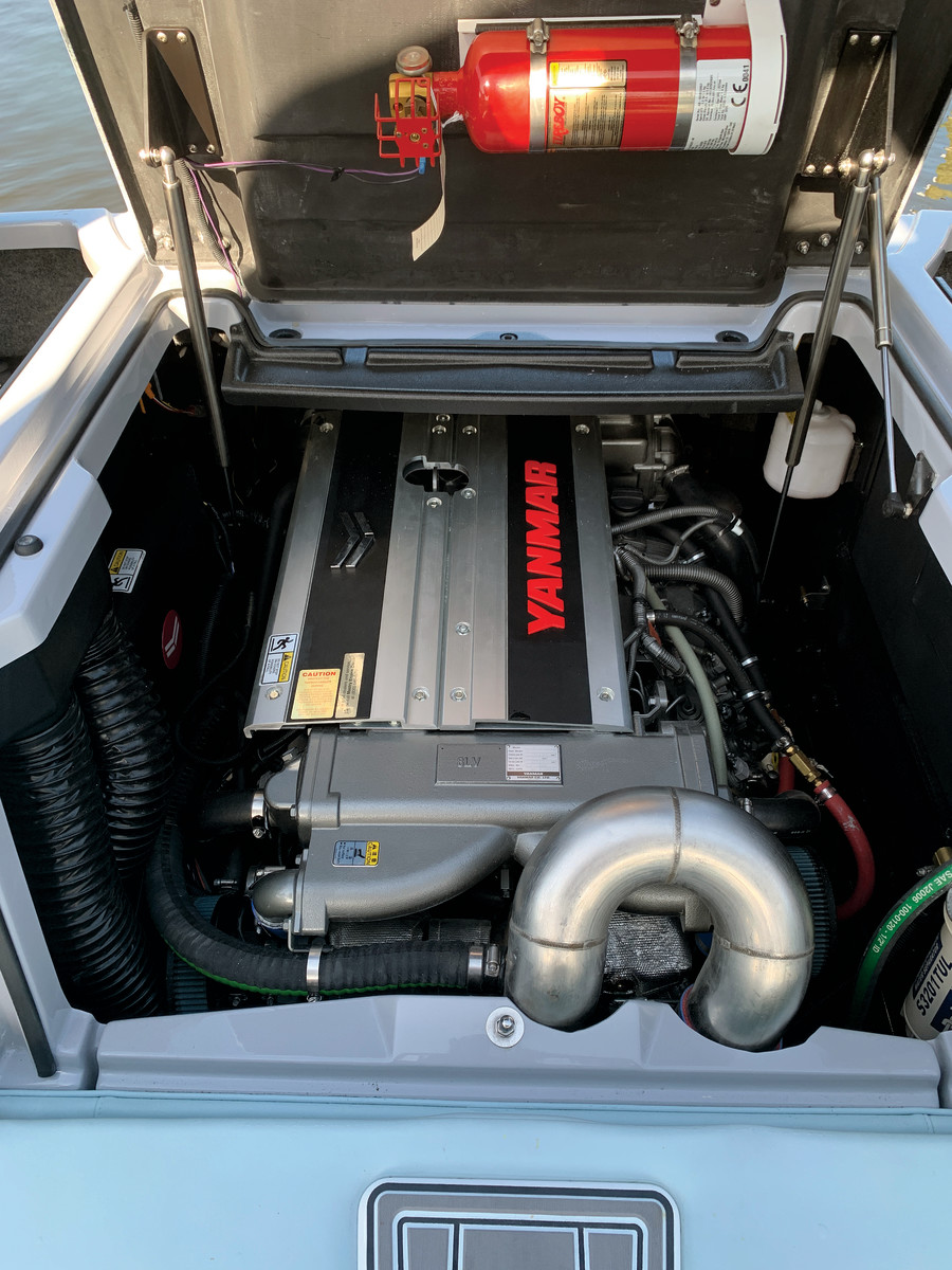 The 370-hp, 8LV engine is a perfect fit on the Super Air Nautique.