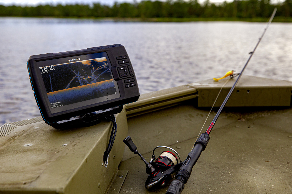 Striker Vivid fishfinder series has CHIRP traditional sonar and CHIRP ClearVü and SideVü scanning sonar technology.