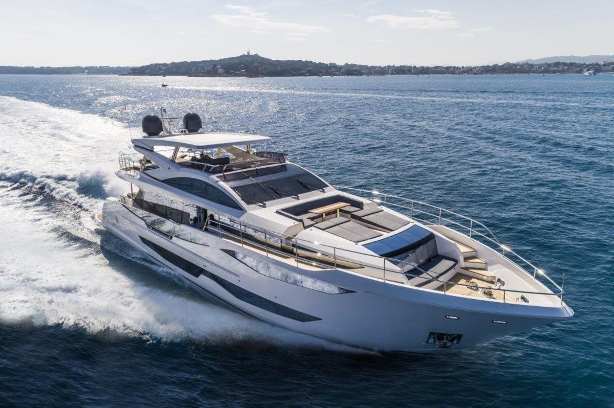Pearl Yachts 95 features exterior design by Bill Dixon.