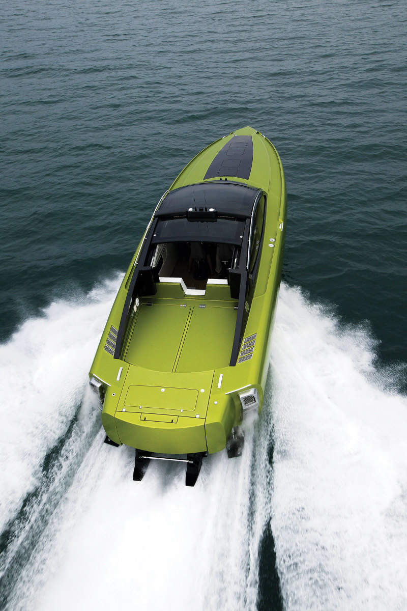 The Revolver project led to Peters working with Azimut Yachts on its outboard-powered Verve model line.