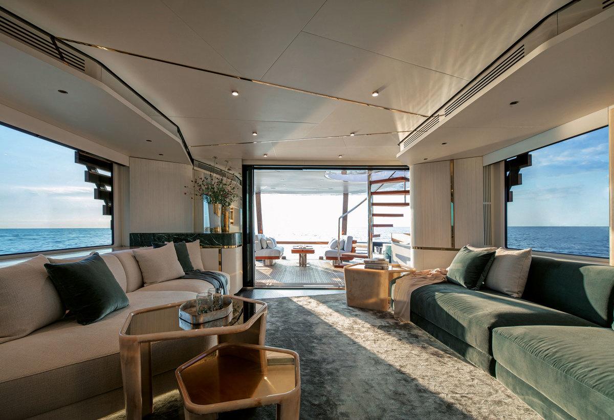 3_Magellano-25-Metri-interior-design-project-by-Vincenzo-De-Cotiis-(2)
