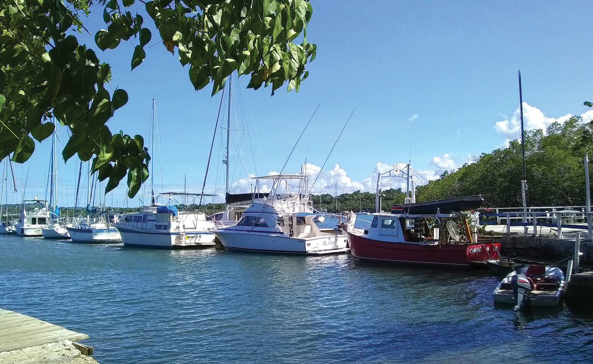 Puerto Blanco Marina was the first recreational boating facility in the harbor.