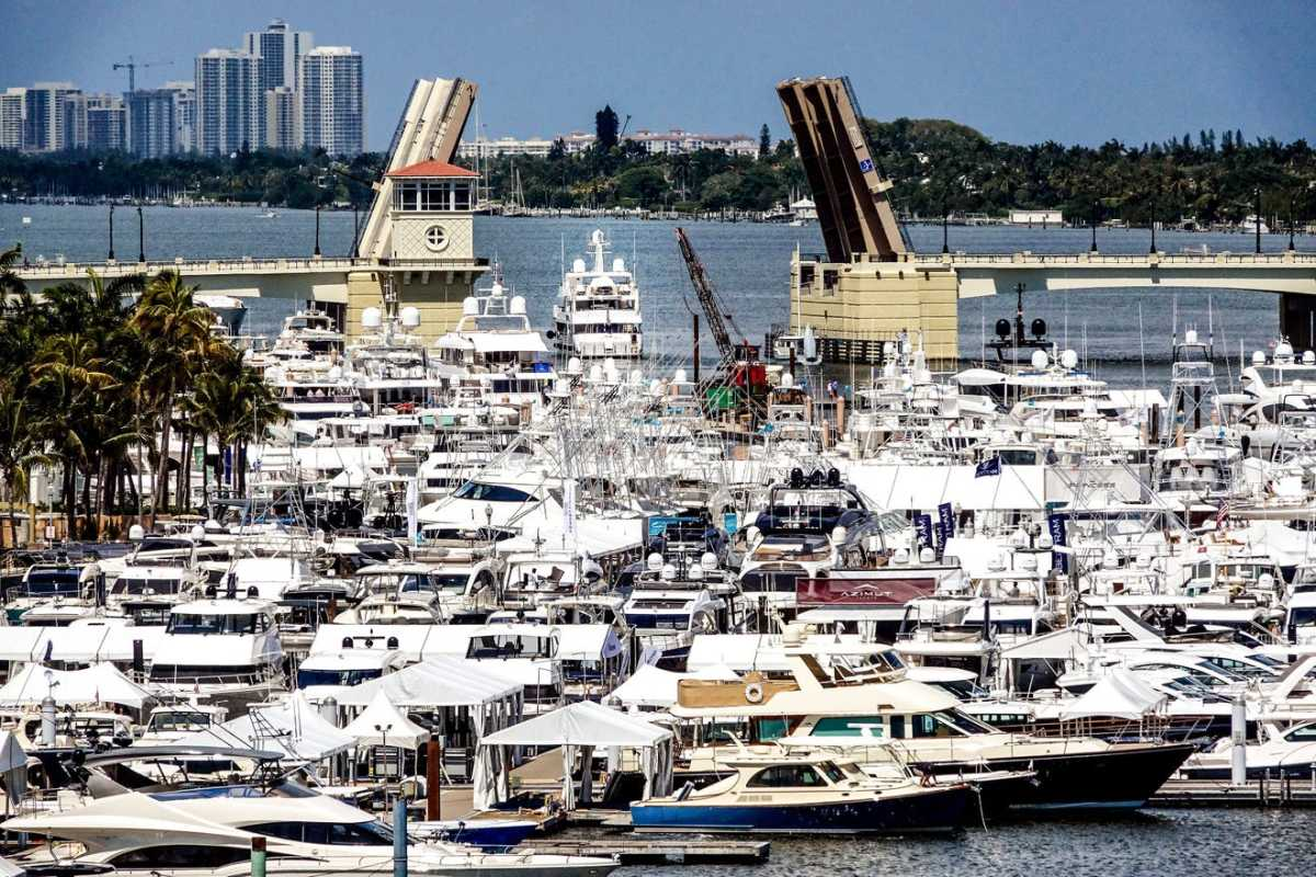 Palm Beach Daily News boat show photo