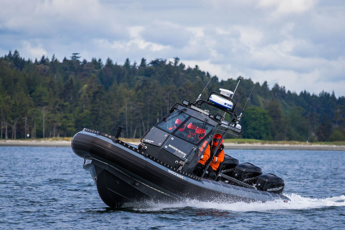 This Titan model features Shockwave's ICE3 five-person suspension console.