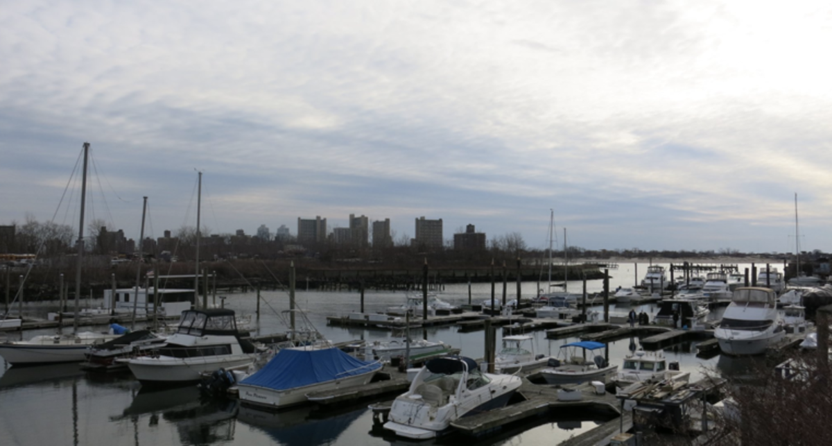 Marine Basin Marina is one of the few facilities in the Brooklyn area. Photo by Meg Capone