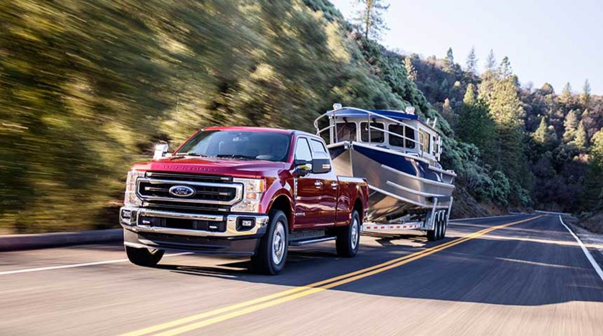 At 24,200 pounds, the Super Duty has best-in-class tow rating for a conventional trailer setup. That number goes up to 37,000 pounds with gooseneck trailer.