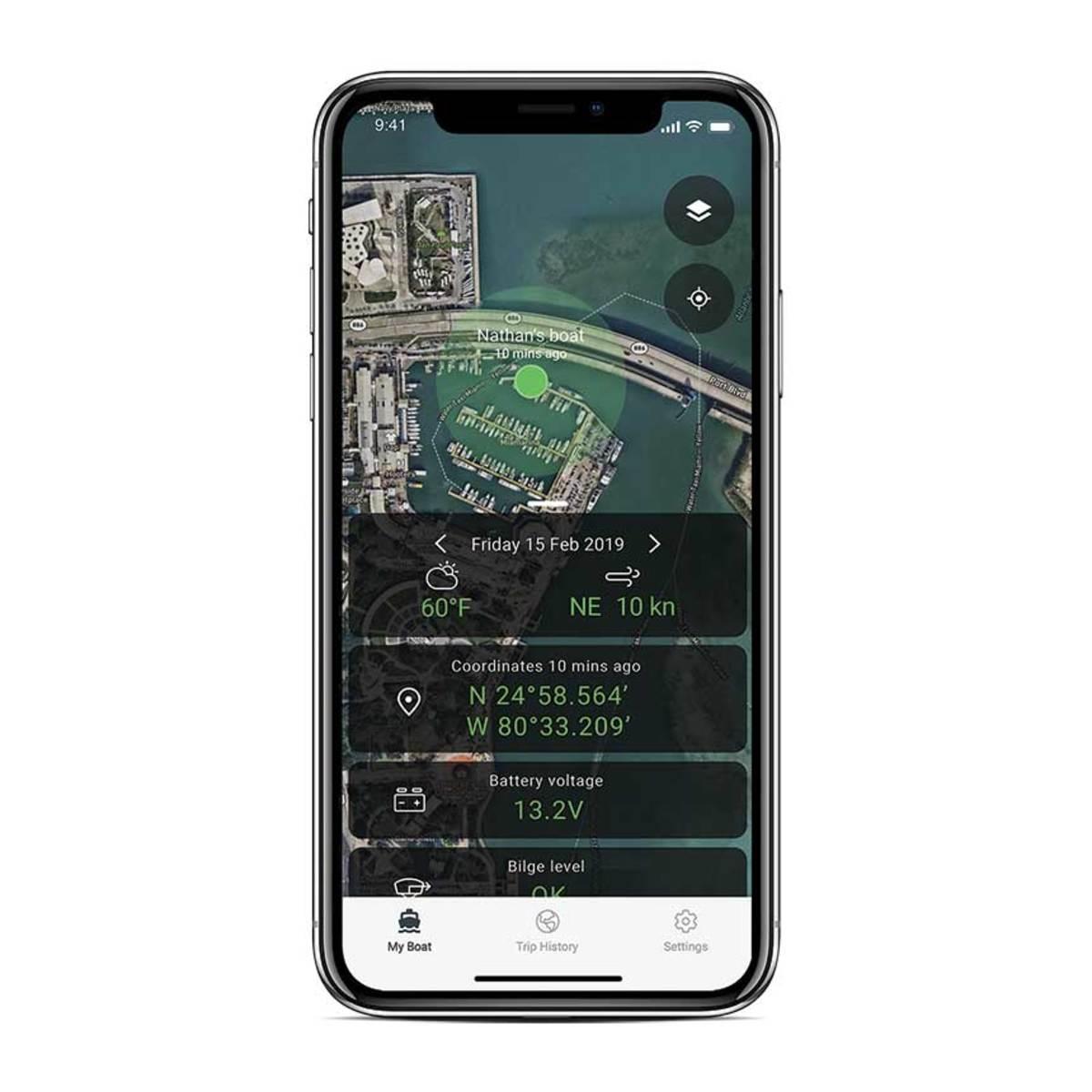 1_Simrad-BoatConnect-Weather-fixed-phone-mockup_37655