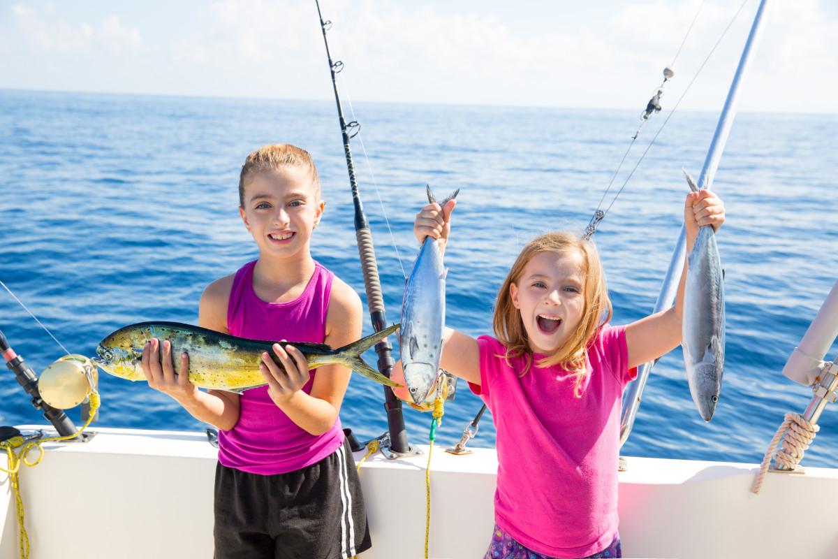 Boating_fishingAdobeStock