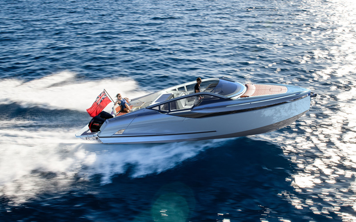 The builder launched an outboard version of its F//Line 33 earlier this year.