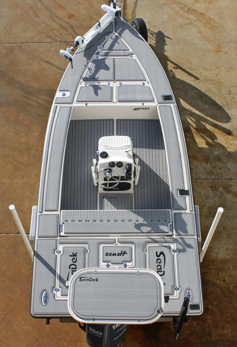 2-SeaDek_6230-iboats_hewes_6mmgraphics