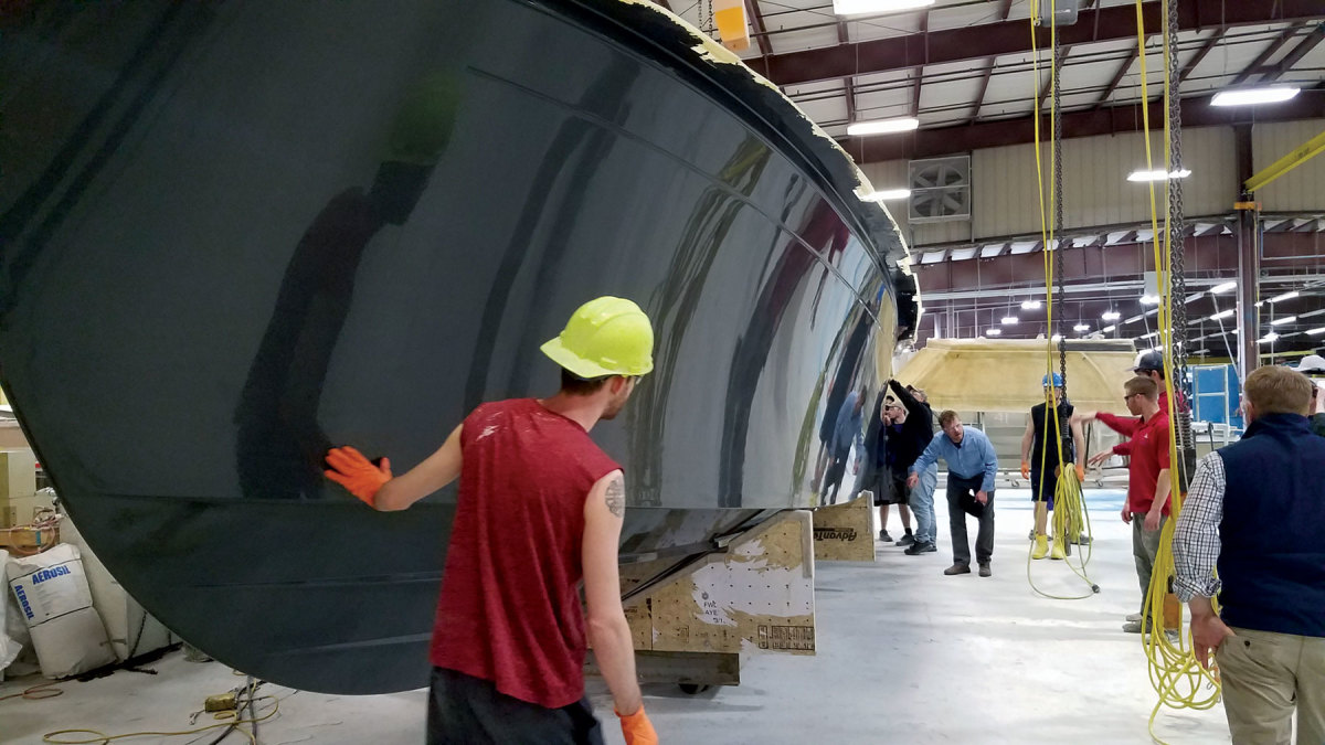 The 34O signaled a new direction for the builder as its first outboard boat.