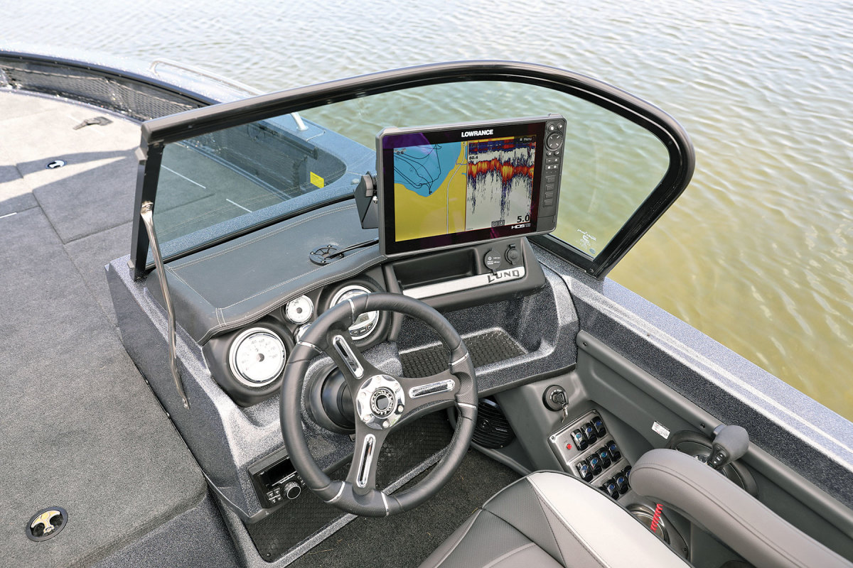 Lowrance's midrange fishfinder/plotters are a popular choice  with freshwateranglers.
