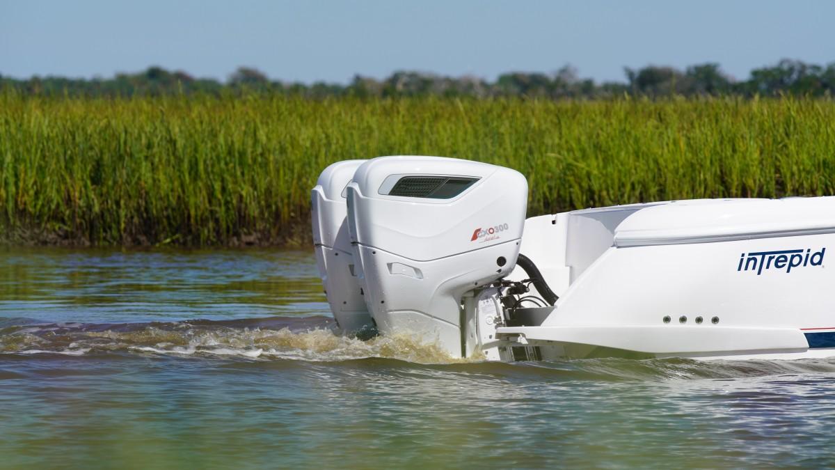 1_Cox Powertrain - CXO300 diesel outboard