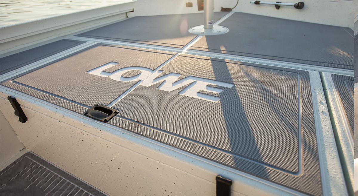2_Lowe Boat Deck