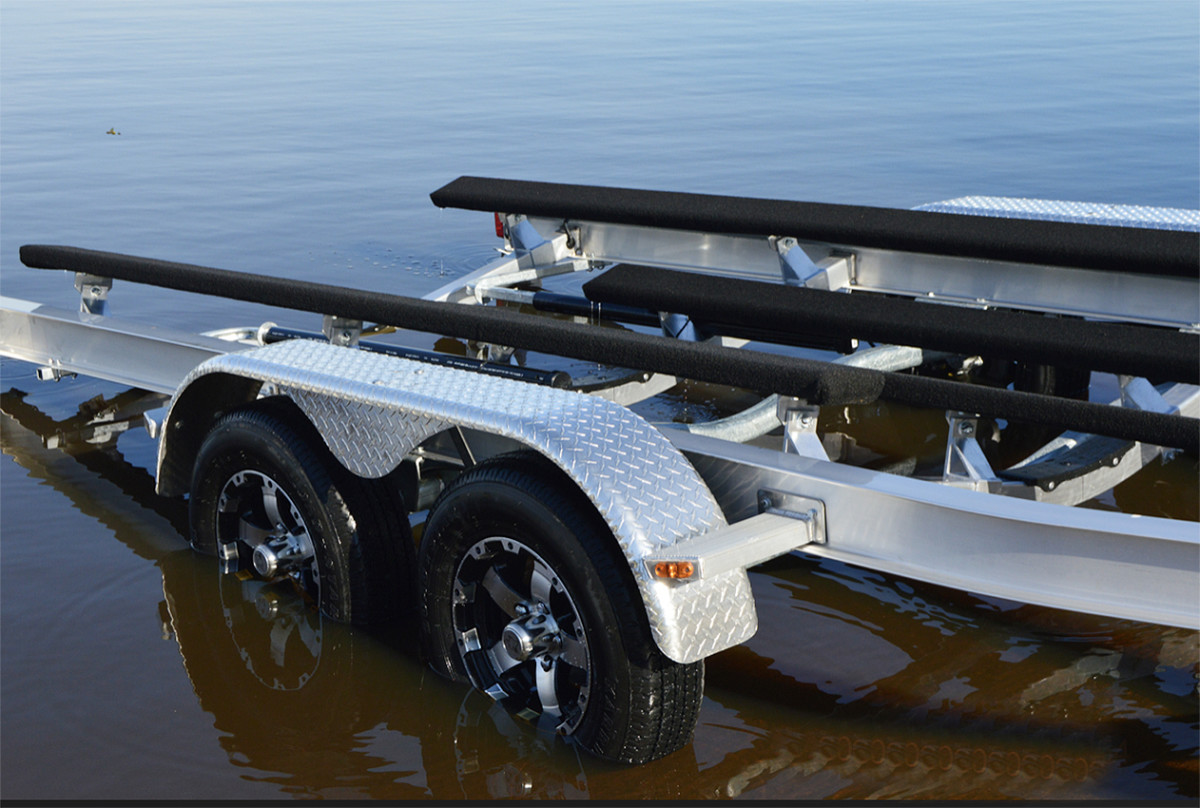 Coyote aluminum boat trailer