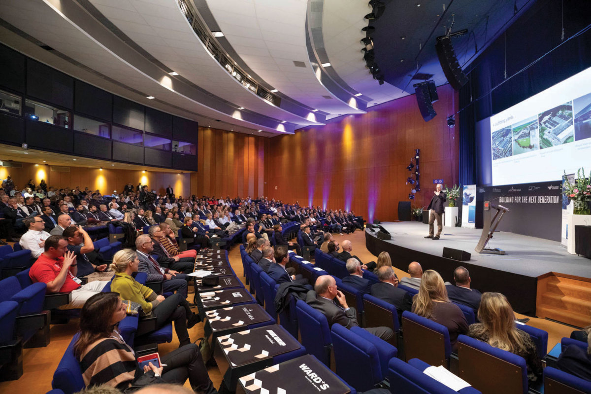 New this year: Metstrade TV will replace the theaters for lectures and panel discussions .